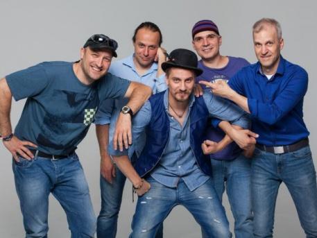 Az Alma együttes