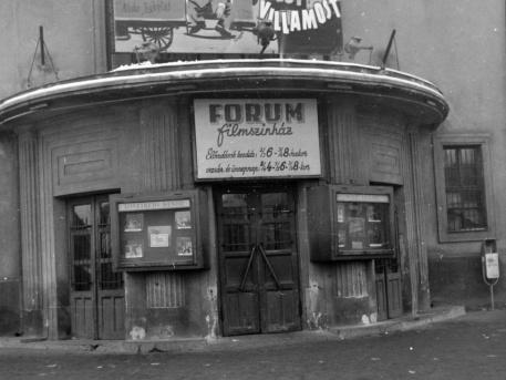 Fórum mozi 1963-ban (fotó: Fortepan)