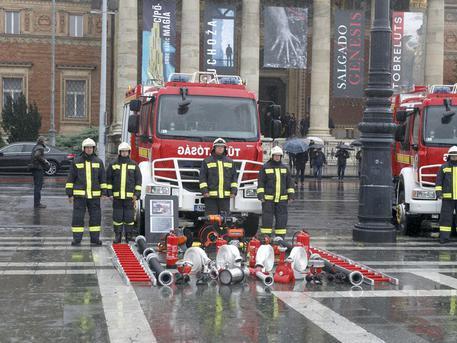 Új tűzoltóautót kapott a kispesti tűzoltóság