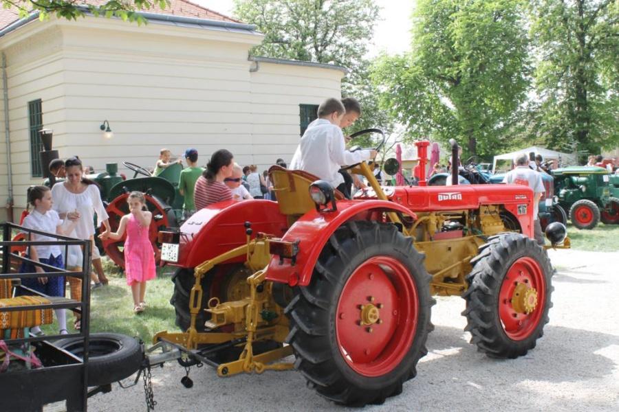 A családok körében rendkívül népszerű a gépmajális (fotó: ittlakunk.hu)