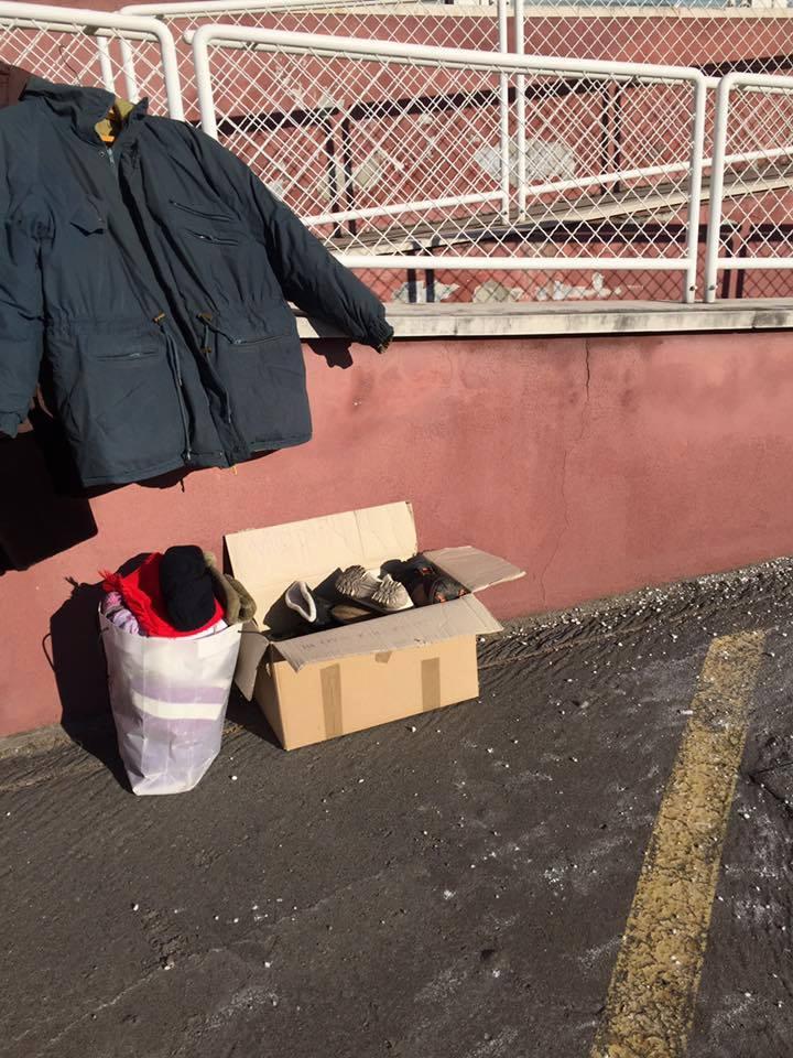 A polgármesteri hivatal elé vihetünk meleg ruhát
