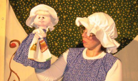 Holle anyó a Batyu Színház előadásában